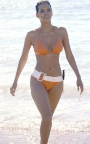 Halle-Berry-Die-Another-Day-Bond-orange-bikini